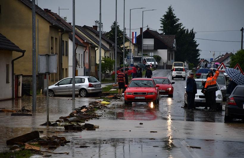 Nalet obilne kiše potopio dio grada i okolna naselja