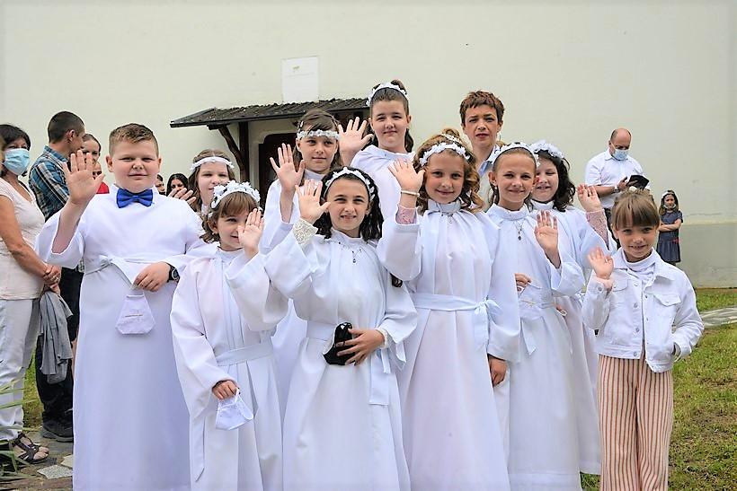 [FOTO] Prekrasan blagdan Tijelova u Svetom Petru Čvrstecu