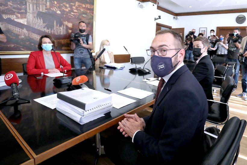 Tomašević: 'Svi koji rade zakonito, imat će svoje mjesto u gradskom sustavu'
