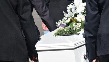 SKANDALOZNO OTKRIĆE Pokušala na dostojanstven način pokopati svoju majku preminulu od Covida, a dobila šokantan odgovor od pogrebnog poduzeća