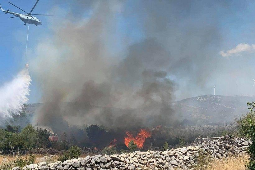 Požar u Segetu Gornjem još nije lokaliziran; očekuje se dolazak premijera Plenkovića