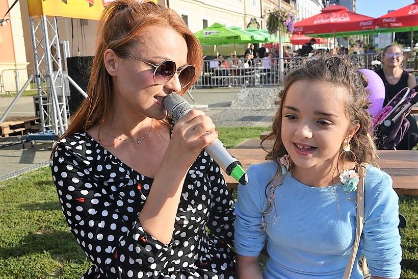 🎦 Antonia i Sabina zapjevale zajedno