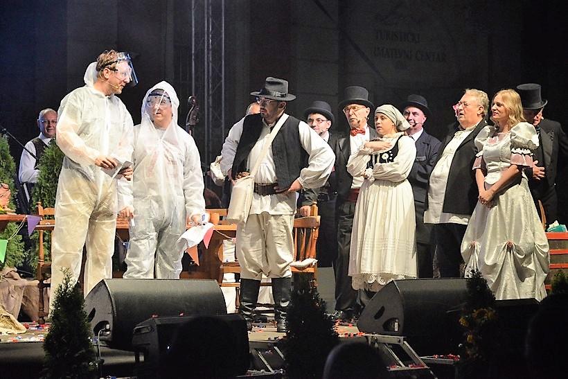 🎦 Covid redari do suza nasmijali križevačku publiku
