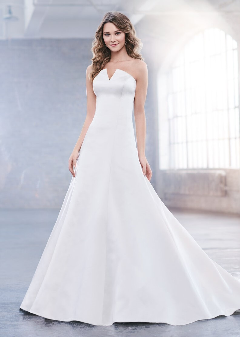 designer wedding dress bridal gown prima donna bridal norwich Martin thornburg