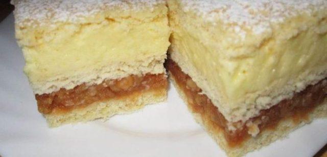 Jablečný dezert s vanilkovým krémem