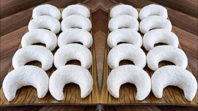 Vanilkové rohlíčky s kokosem