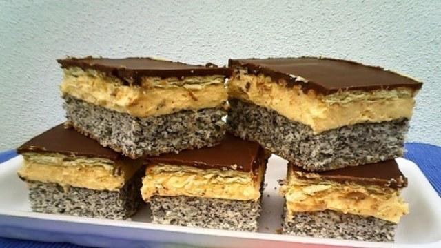 Recept na makový dezert s vanilkovým krémem a čokoládou