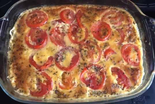Recept na zapečené kuřecí maso se smetanou a rajčaty