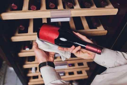 Poradíme, jak vybrat domácí vinotéku - Prima Inspirace