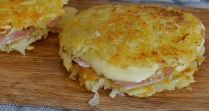 Recept na bramboráky plněné šunkou a sýrem bez mouky a vajec