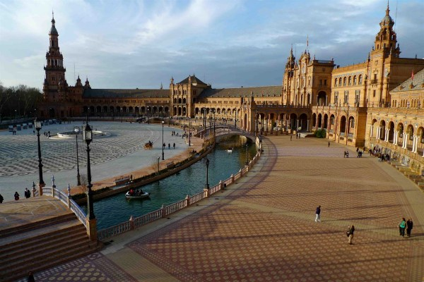 Sevilla Prima Rentacar' Travel Guide