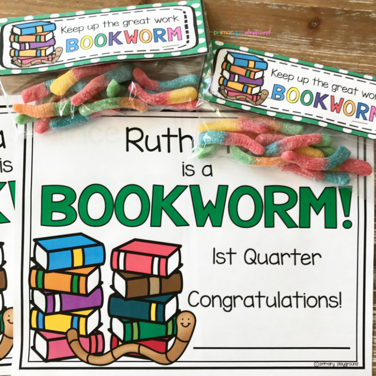 Bookworm bag topper with bookworm reading certificate