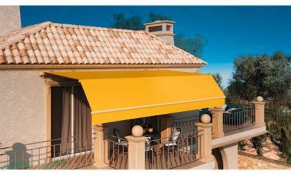 A parità di tessuto, una tenda posta all'esterno permette un abbattimento del calore fino al 90%, una posta all'interno solo il 50%. Da Marco Colongo Tende Da Sole E Pergole Adatte Ad Ogni Esigenza Prima Vercelli