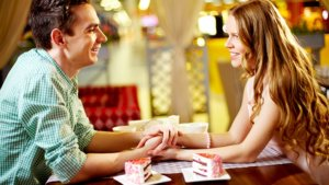 Who should pay for dinner on a first date: Ukrainian rules? Ukrainian lady.