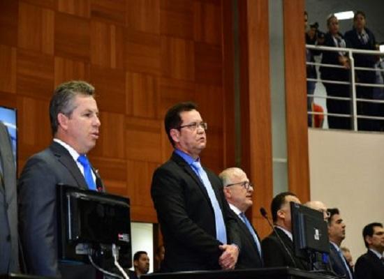 Autoridades prestigiam cerimônia de posse de Mauro Mendes realizada na ALMT