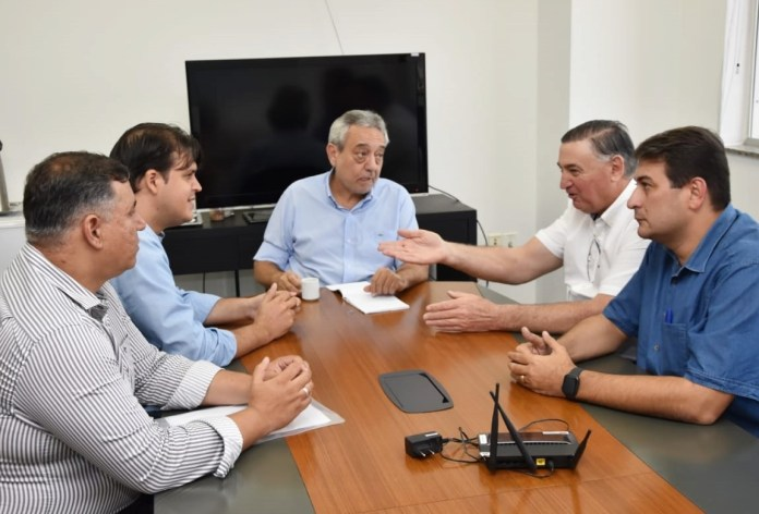 Sinfra recebe parlamentares e anuncia pacote obras para Rondonópolis