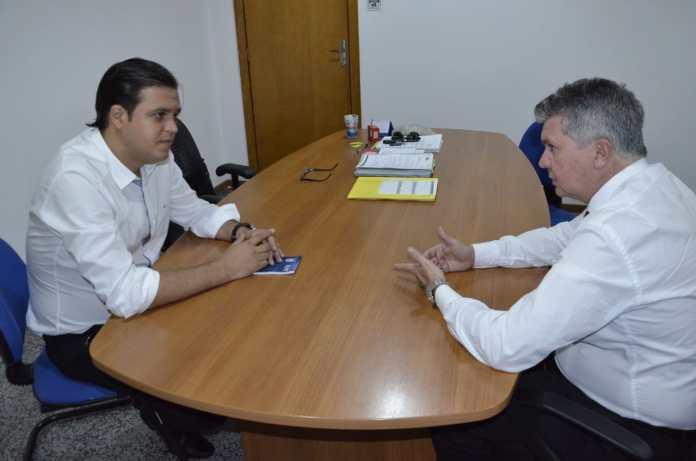 Thiago Silva negocia com Estado batalhão da PM na Vila Operária