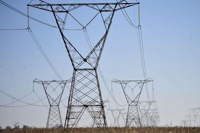 Aneel aprova redução nas contas de luz para duas distribuidoras
