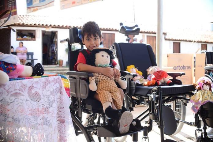 Prefeitura faz entrega de 1,2 mil itens de locomoção entre cadeiras de rodas, andadores e bengalas