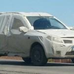SANDERO OFF-ROAD FLAGRADO COM DISFARCES