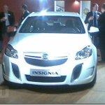 Opel Insignia OPC é flagrado sem disfarces