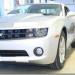 GM mostra novo Camaro em produção