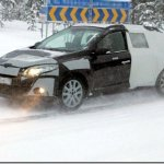 Renault Mégane Grand Tour vai perdendo disfarces