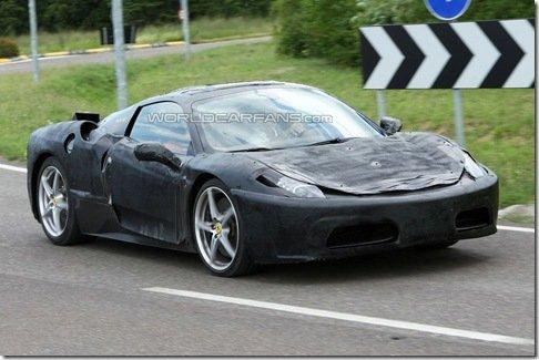 Nova Ferrari F450 é flagrada já com sua carroceria final