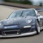 Porsche apresenta a versão de competição do 911 GT3