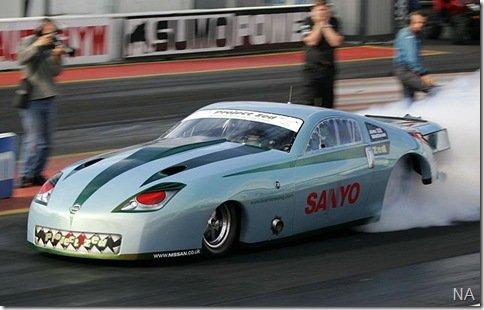 Dragster da Nissan vai de 0 a 96km/h em apenas 1,2 segundos