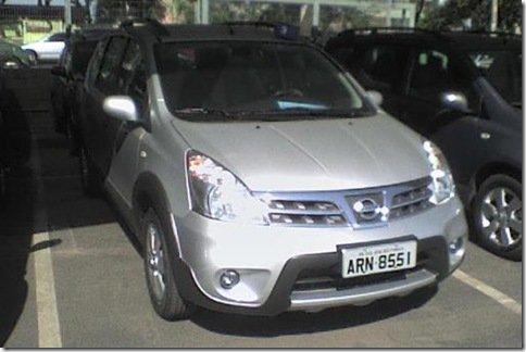 Nissan Livina X-Gear é flagrada pouco antes de seu lançamento