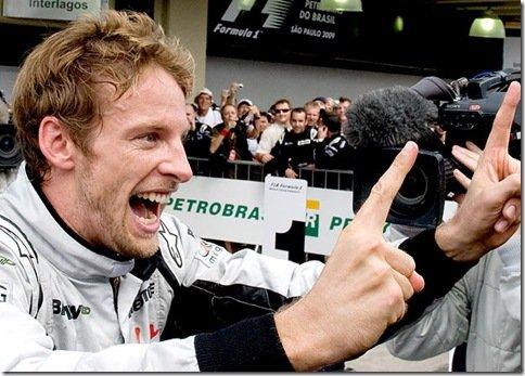 GP do Brasil – Webber vence mas título mundial vai para Button, Barrichello termina em 8°