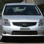 Nissan Sentra 2010 chega ao Brasil com visual renovado e mais barato