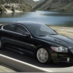 Jaguar lança XFR por R$ 450.000