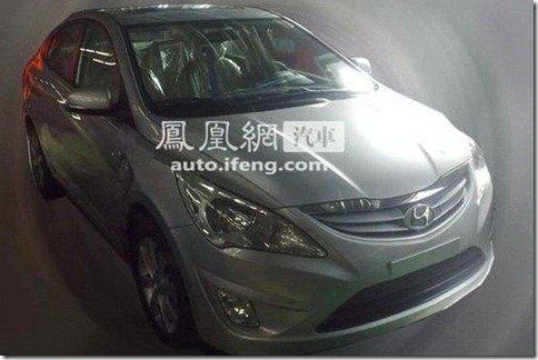 Novo Hyundai Accent aparece sem camuflagem