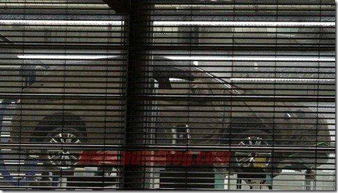 Audi Q3 é flagrado por trás das cortinas