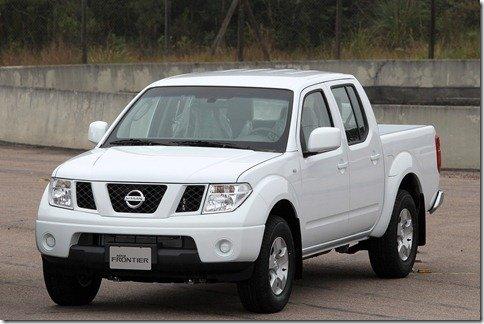 Nissan Frontier 2011 ganha versão intermediária SE