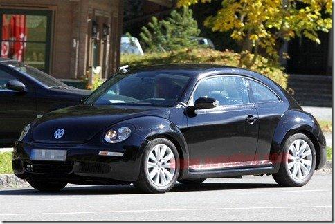 Nova geração do Volkswagen Beetle é flagrada