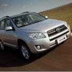 Toyota RAV4 2011 ganha versão 4×2 por R$ 92.500