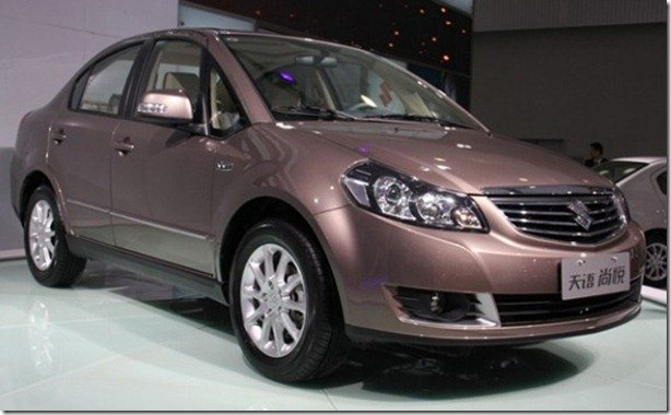 Suzuki SX4 2012 é apresentado no Salão de Guangzhou