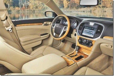 Interior do Chrysler 300 2011 é apresentado
