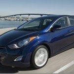 Hyundai Elantra chega em junho com motor flex