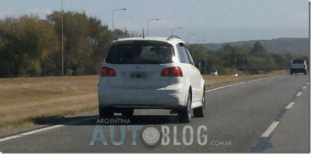 Volkswagen SpaceCross é flagrada em testes na Argentina