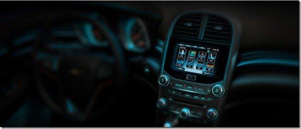 Chevrolet mostra interior do Malibu 2012