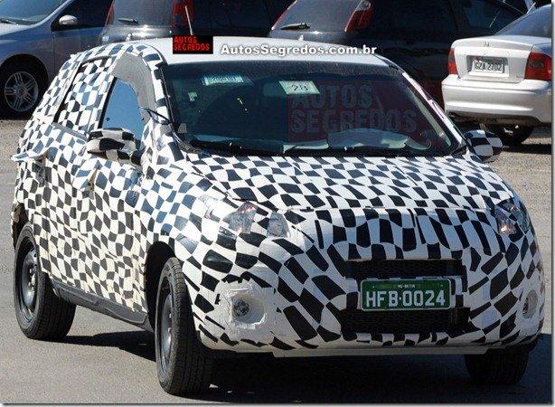 Novo Fiat Palio é flagrado zebrado