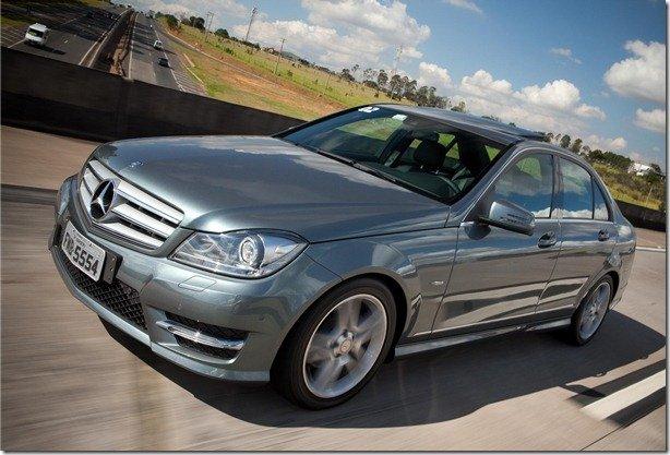Mercedes Classe C 2012 chega por R$ 116.900