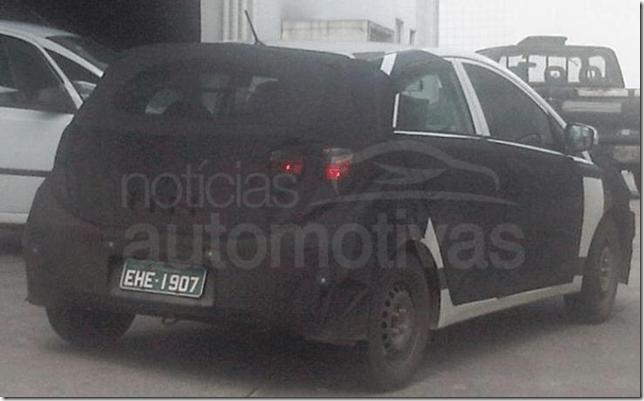 Hyundai i15, o futuro HB é flagrado em testes no Brasil