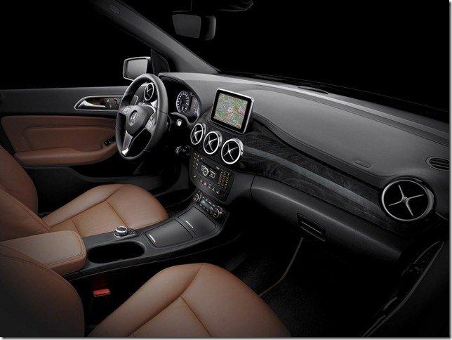 Mercedes revela o interior do novo Classe B