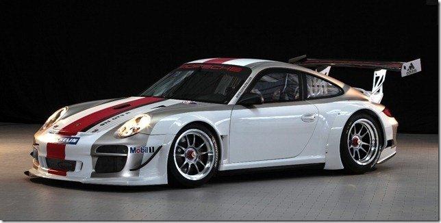 Porsche 911 GT3 R recebe melhorias na linha 2012