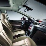 Peugeot mostra o interior do 308 Sedan na China